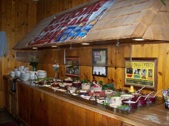 Fredrick Inn Steakhouse: Salad Bar