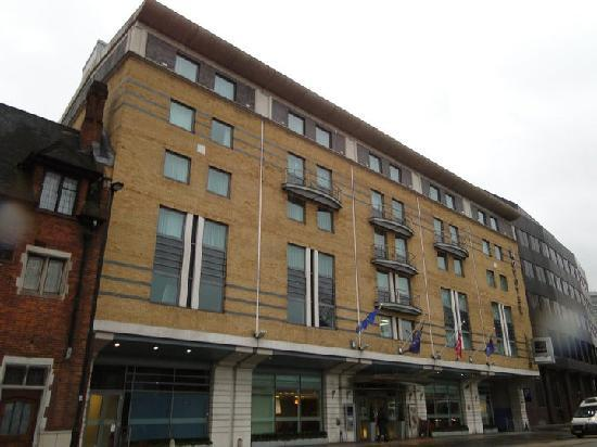 La chambre exclusive picture of novotel london for Chambre london