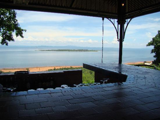 Bumi Hills Safari Lodge - African Bush Camps: View from the Bar