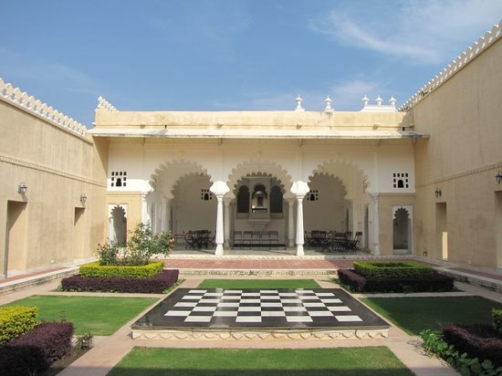 Sardargarh Heritage Hotel: Nice areas inside the fort