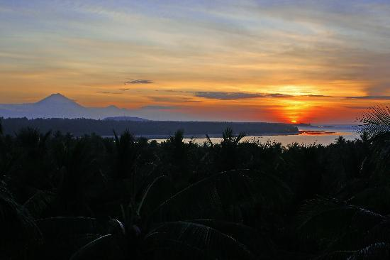 Medana Resort Lombok: nice sunset