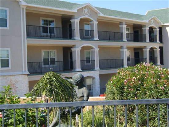 Sunset Harbor Resort: Luxury Studio