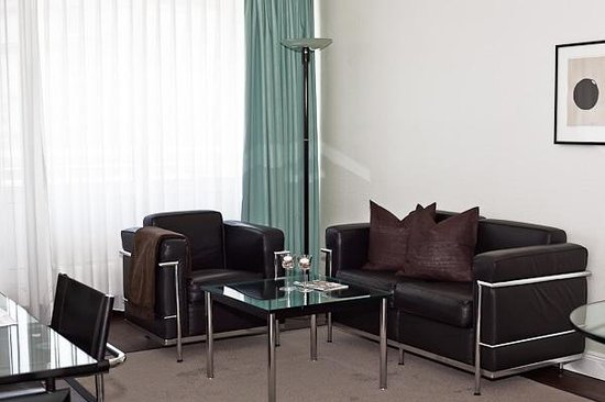 Elb-Residence Appartements: Wohnzimmer