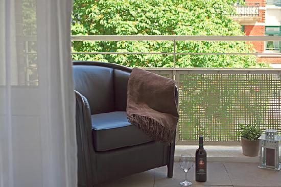Elb-Residence Appartements: Balkon