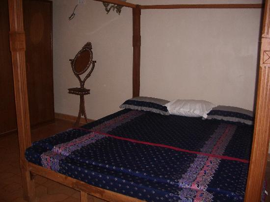 Virasat Haveli: The bed with nice bed linen