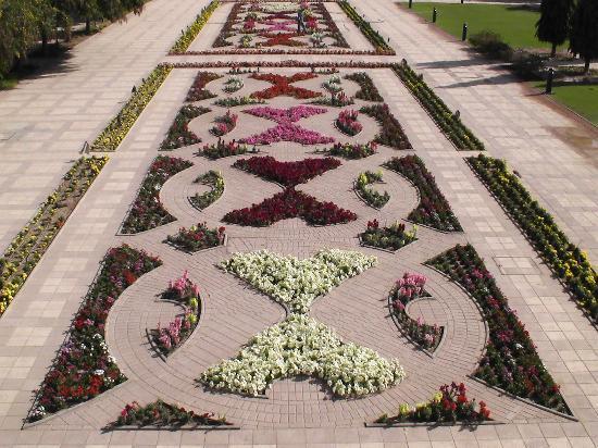 Gran mezquita del Sultán Qaboos: Eine schöne Gartenanlage