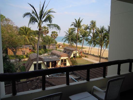 Rayong Chalet : Ausblick Zimmer 304