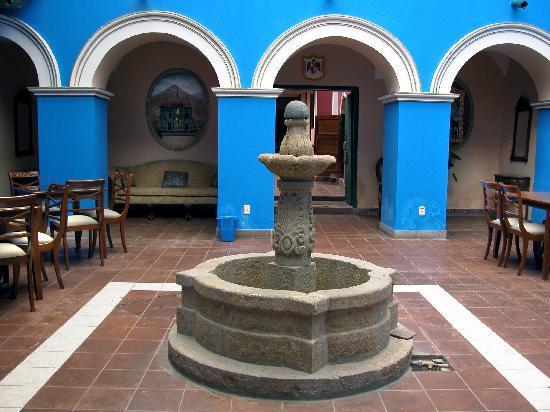 Hostal Las Tres Portadas: Potosi las tres portadas interno