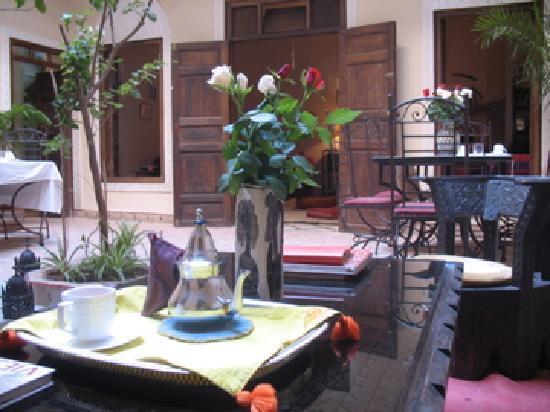 Marhbabikoum: le patio