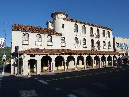 Sonora Inn: coté rue