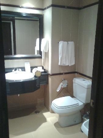 Hotel Alvalade: Bathroom