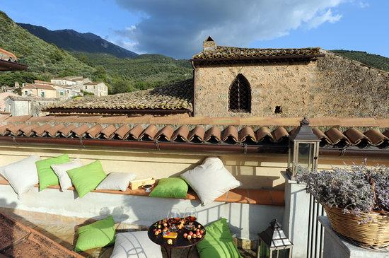 Villa Euchelia Resort: Panorama Esterno dal Solarium