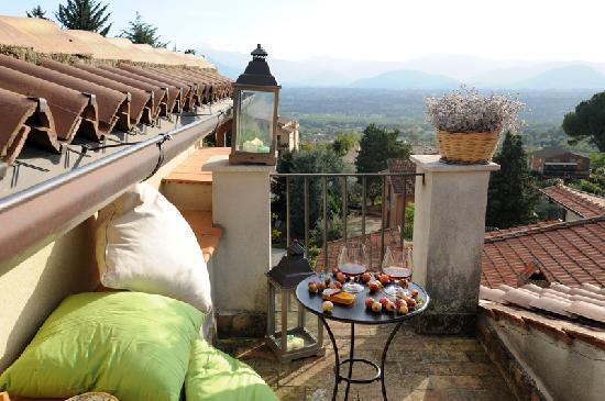 Villa Euchelia Resort: Panorama Esterno dal Balcone