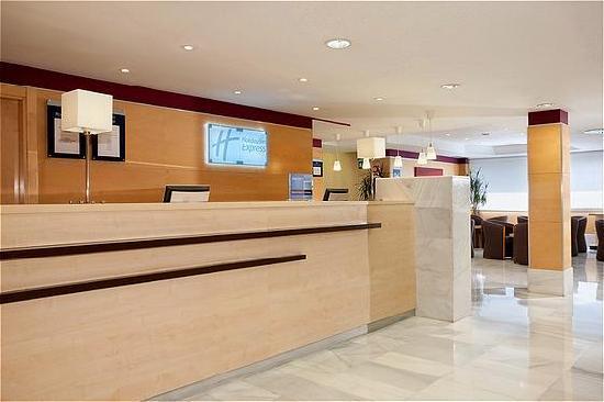 Holiday Inn Express Alcobendas: Recepción