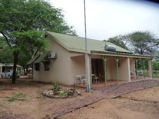 Otjibamba Lodge: die Zimmer mit Terasse