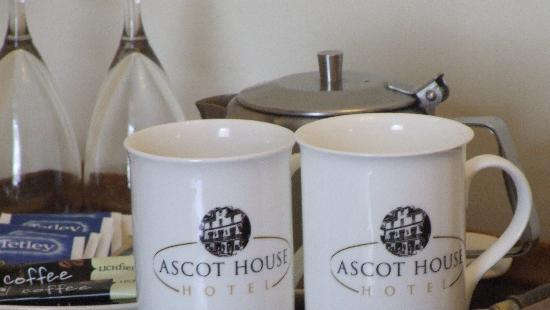 Ascot House Hotel: Tea Trays in each room