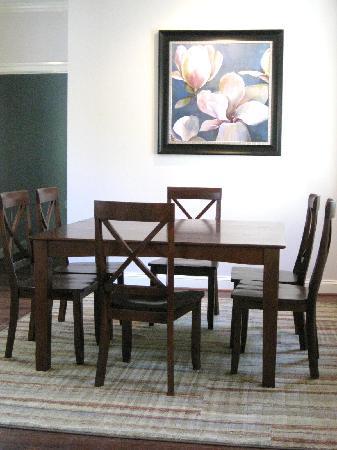 Charlottesville Corporate Living: Elegant dining