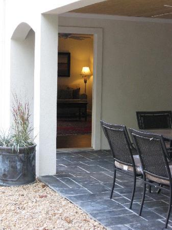 Charlottesville Corporate Living: Tuscan terrace