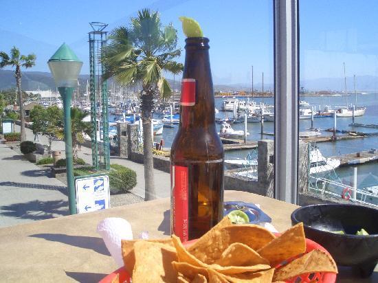 Ensenada, Μεξικό: Cerveza und Nachos am Hafen