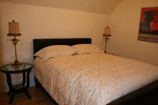 Kensington Executive Suite: Bedroom