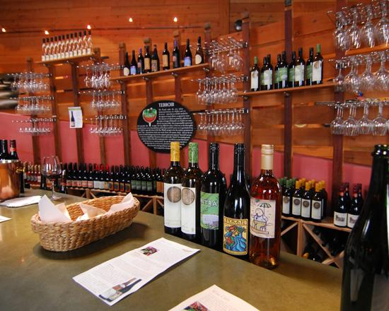 Santa Cruz, CA: Wine tasting in Boony Doon Vineyard's tasting room