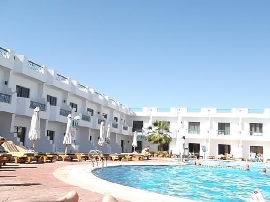 Sharm Cliff Resort: Warm Pool