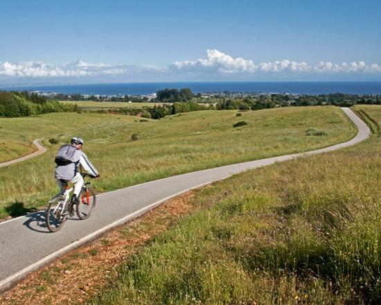 Σάντα Κρουζ, Καλιφόρνια: Bike riding at U. C. Santa Cruz