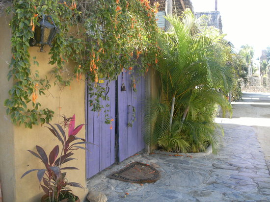 Todos Santos, Mexiko: Beyond this gate, many delicious meals shared with good friends.