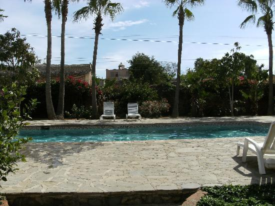 El Molino : This picture does not do the pool area justice.