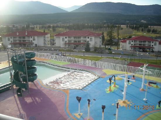 Riverside Golf Resort at Fairmont: Pool/tennis courts at Hillside