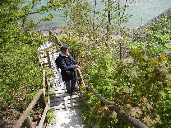 Binzer Sterne: auf dem Weg zur Steilküste, Donnerkeile suchen