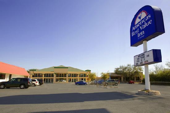 Americas Best Value Inn - Medical Center : Exterior