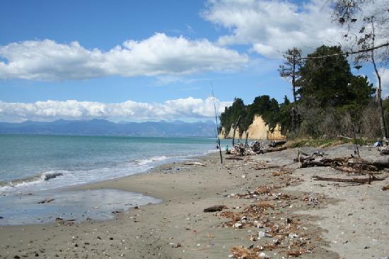 Almyra Waterfront Lodge: Fishing at Kina beach