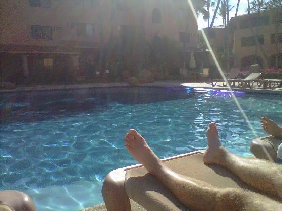 La Jolla de Los Cabos: View of the pool area.  Wonderful heated pool