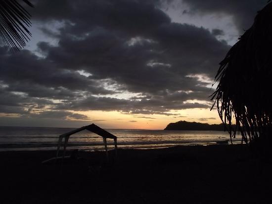 Fenix Hotel - On The Beach: Beach at sunset