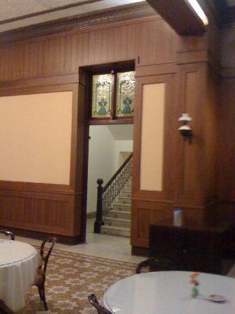 Hotel Candi Baru: Stairs