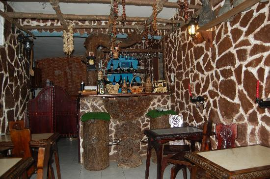 Hotel Nasho Vruho: This is the night bar, where the wine is home made.