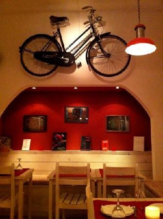 La Bicicletta Cafe: Read the book about the history of the Vuelta of Uruguay that lies on the shelfs