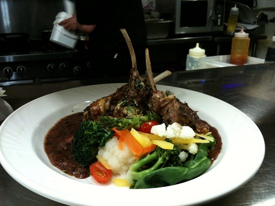 Billy's Seafood Co : rack of lamb
