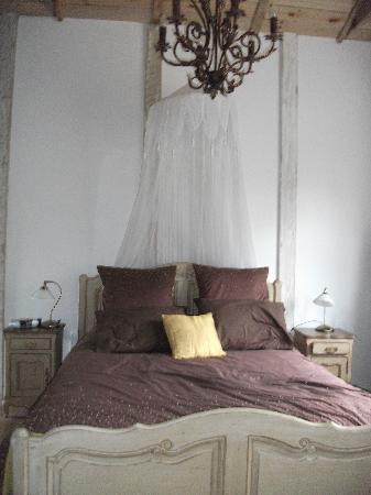 Marlborough Region, Nieuw-Zeeland: Bedroom in Adelaides Cottage
