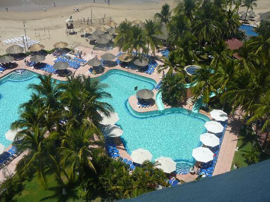 Sunscape Dorado Pacifico Ixtapa: vistaq de la alberca