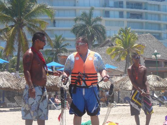 Sunscape Dorado Pacifico Ixtapa: listo para el parachute