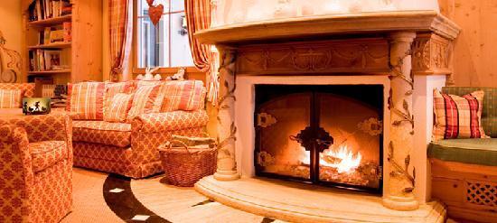 Hotel Guggis: Heimelig warme Atmosphäre in Ihrem Skiurlaub am Arlberg.