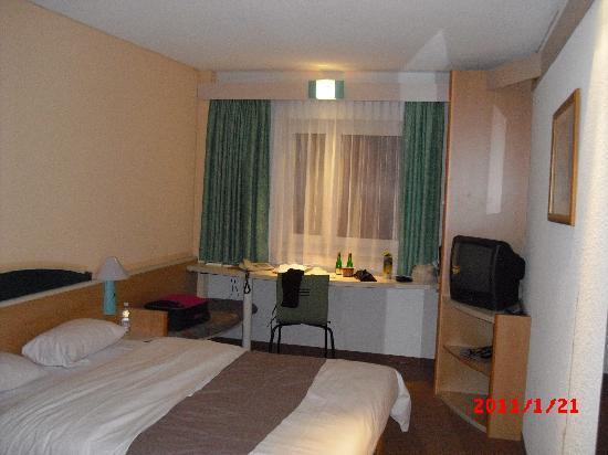 Ibis Dortmund City: Room