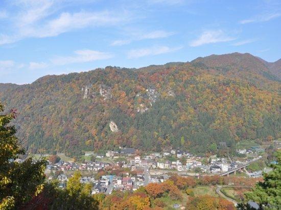 Bakuchiiwa: 馬口岩からの山寺