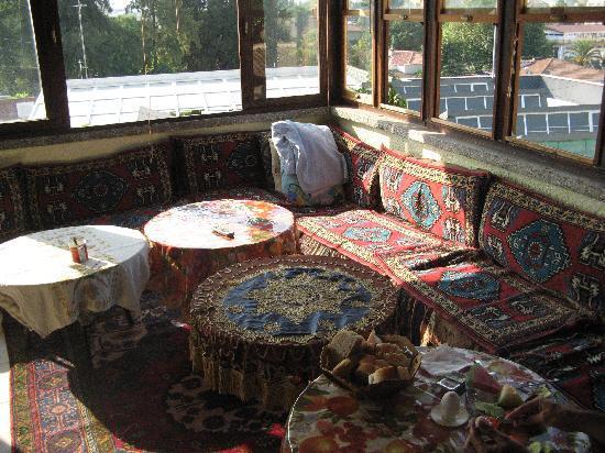 Alihan Guesthouse: la terrazza