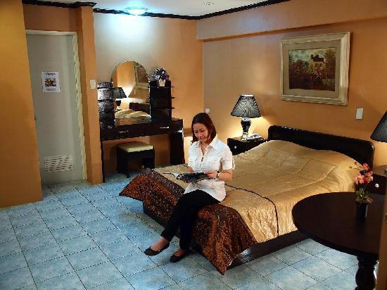Calamba, Filipinas: Executive Room - with Indoor Jacuzzi