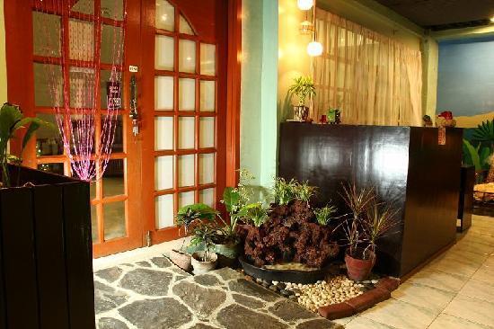 Kalipayan Filipiniana Spa - Reception Area - Picture of Rockpoint