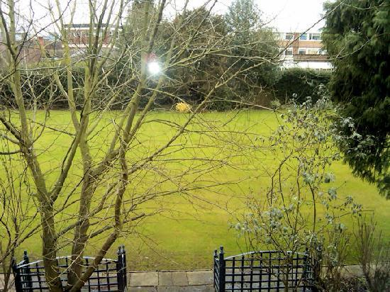 Ramada Birmingham Solihull: View of Bowling Green
