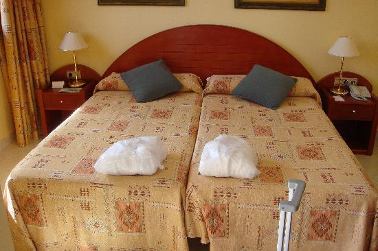 La Siesta Hotel: Our Beds